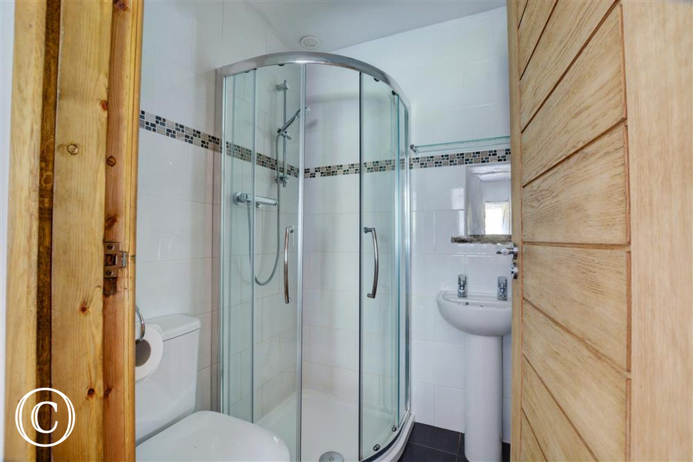 Shower room off the games room