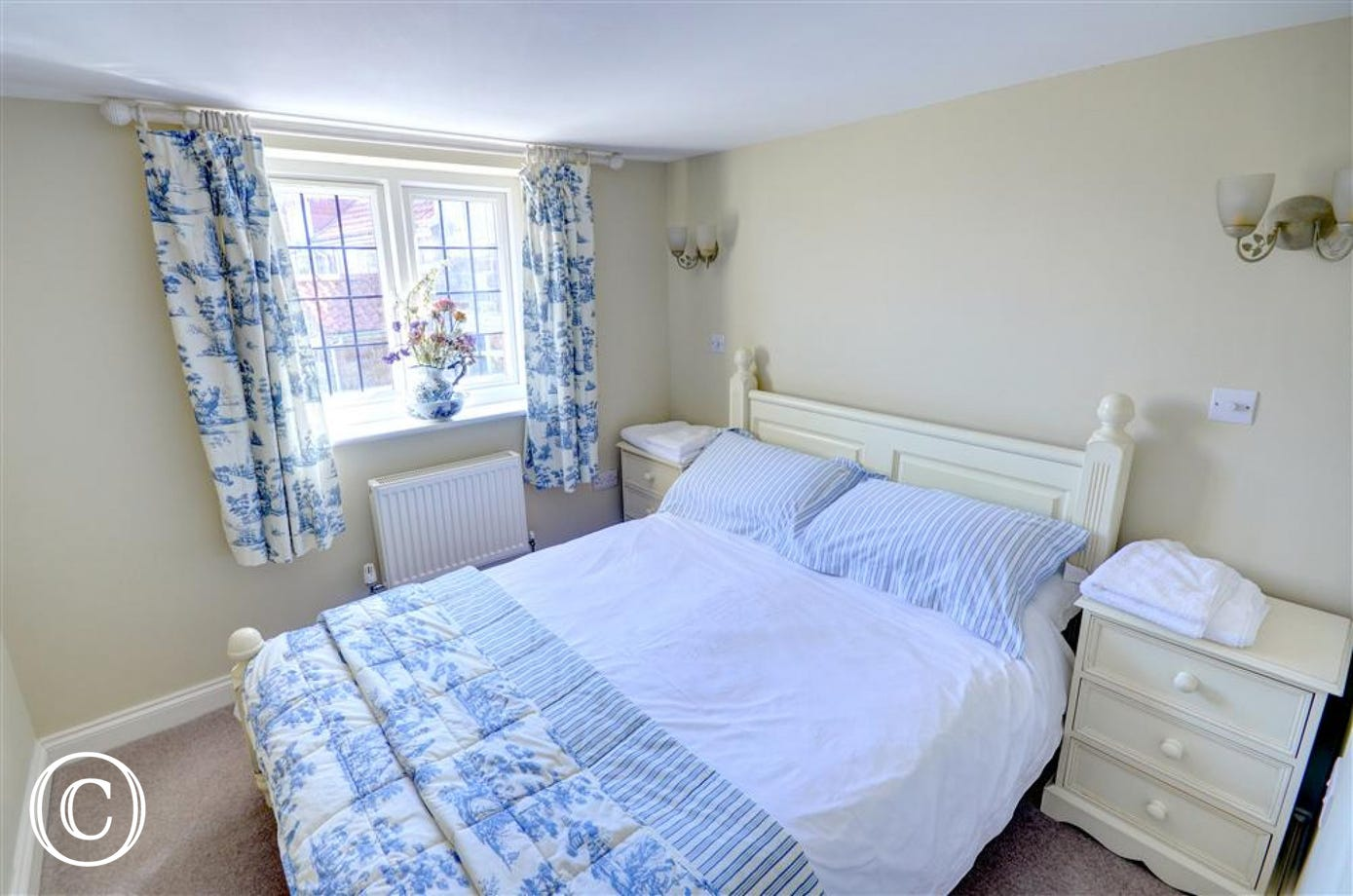 Attractive and well-furnished double Bedroom.