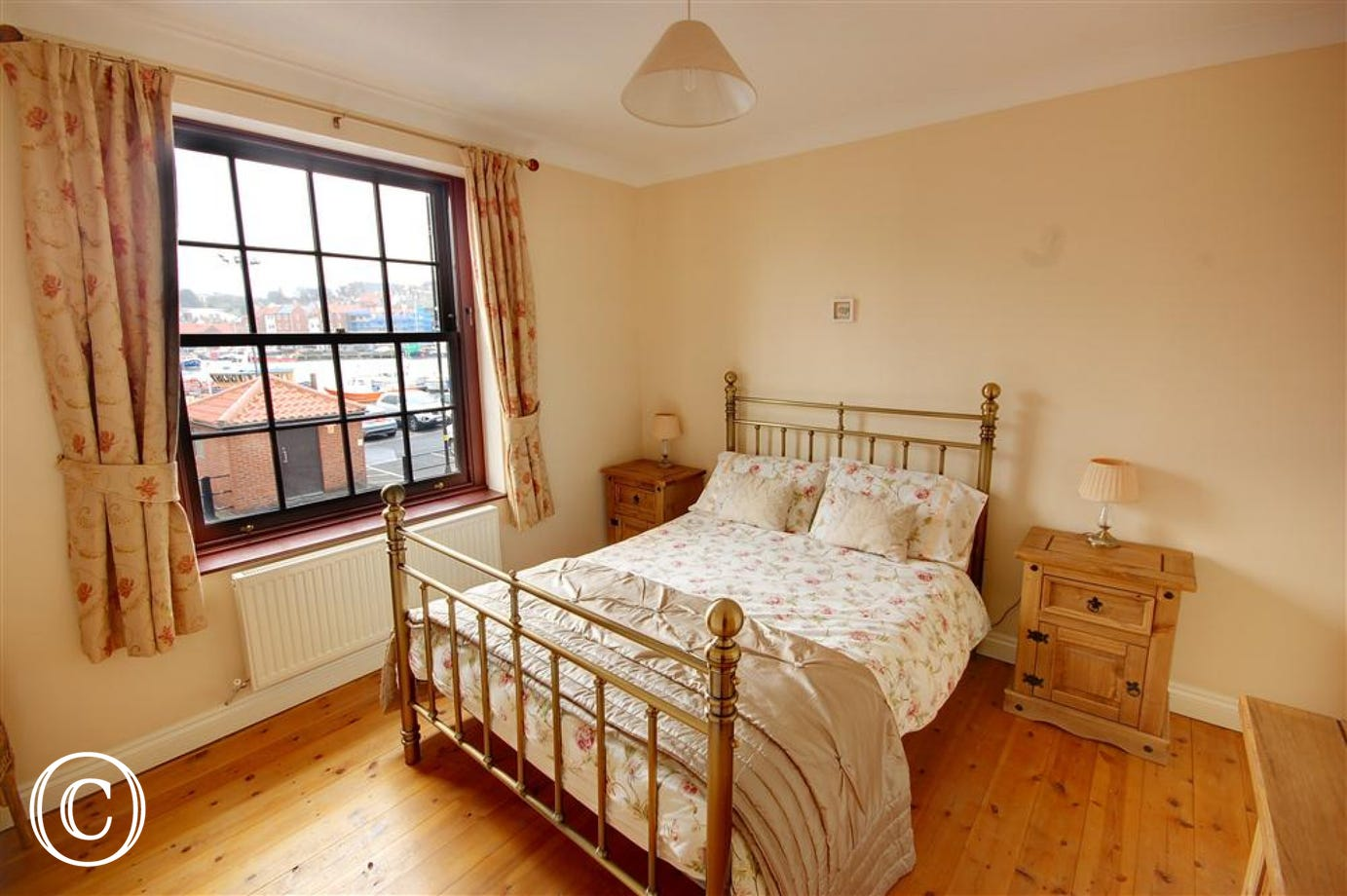 Beautiful double Bedroom with lovely views over the  harbour.