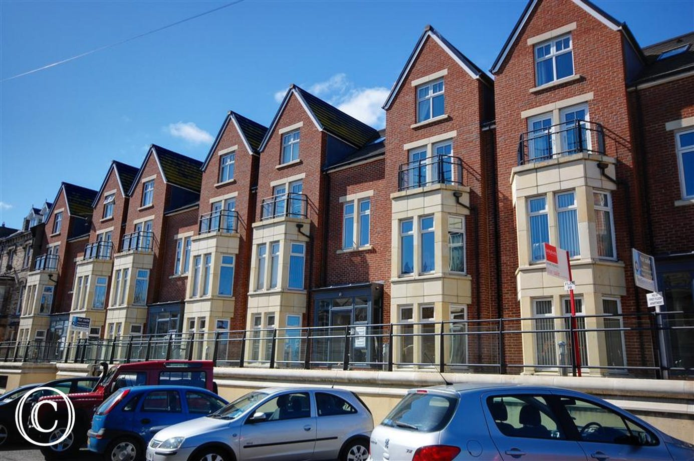 Modern, second floor apartment with great views towards the Abbey and in an excellent location to explore Whitby.