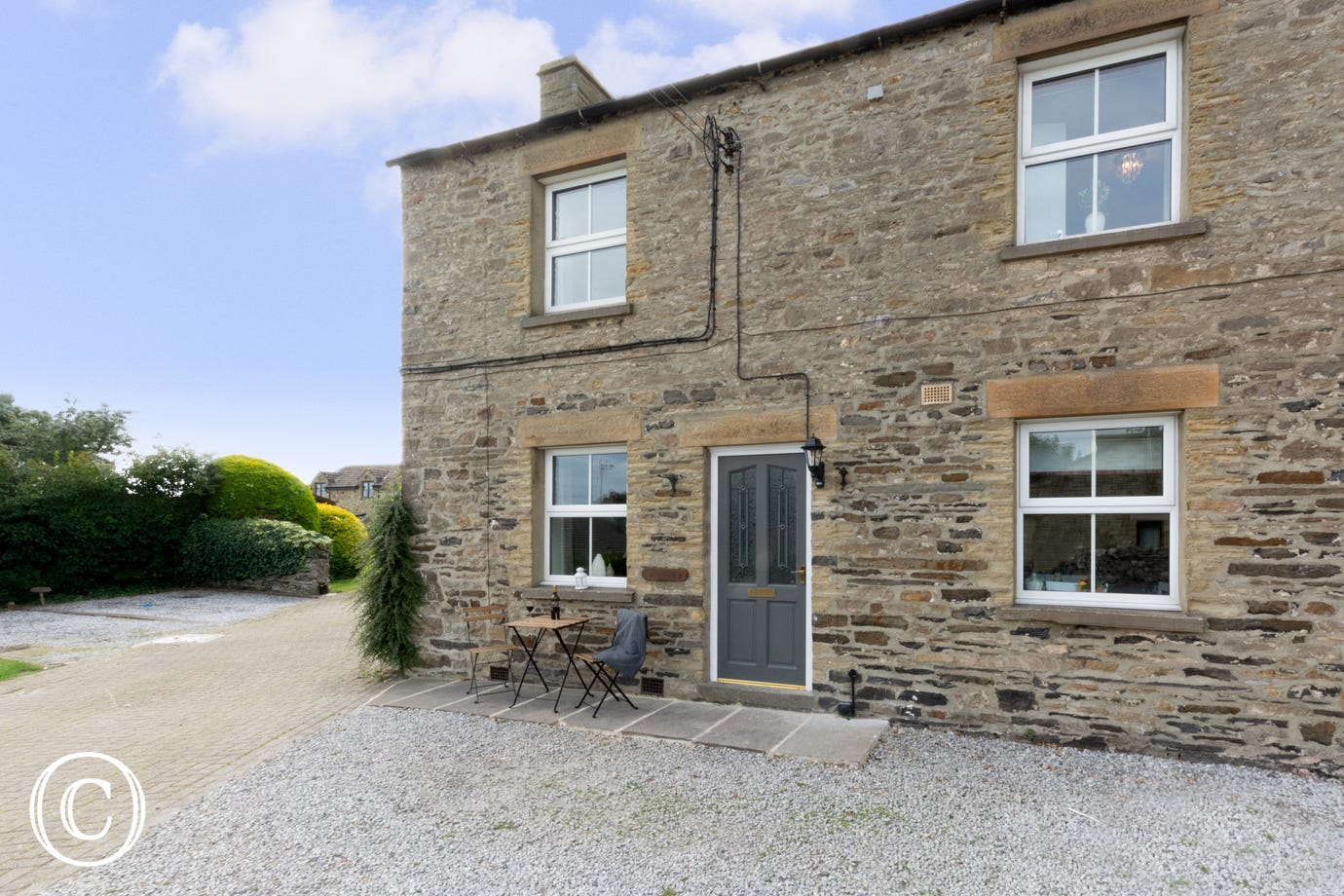 Double fronted stone built cottage in Leyburn