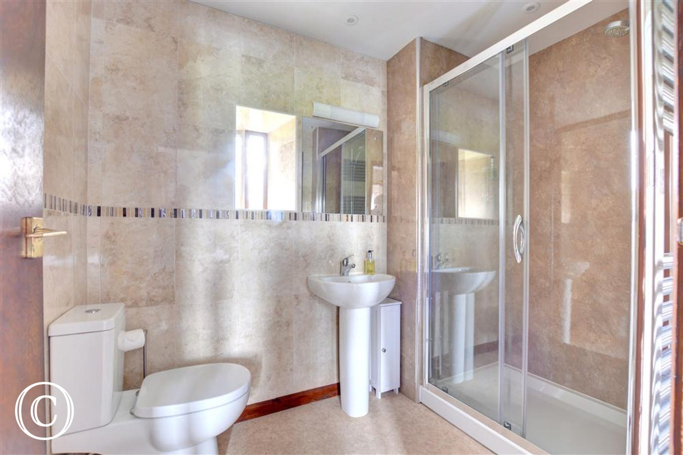Large shower in the master bedroom en suite.