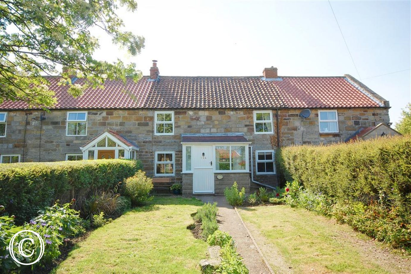 Lavender Cottage is a stunning, tradtional stone built country cottage with enclosed garden.