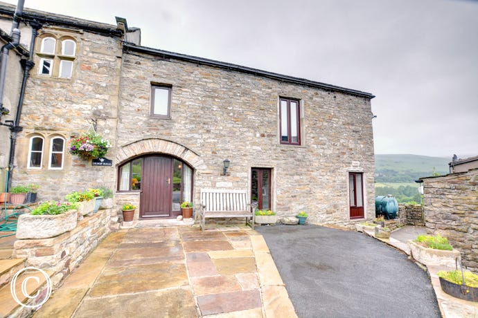 The cottage is ideally situated for exploring the Yorkshire Dales.