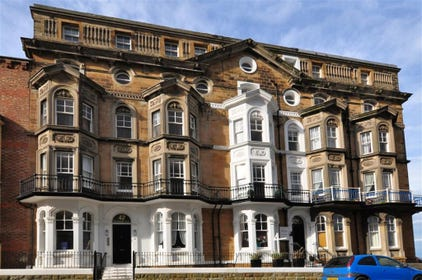 Kenilworth House, Apartment 5 is just a couple of minutes walk away from the seafront and the popular West Cliff.