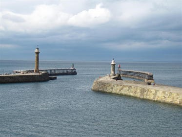 Fantastic views over the Harbour mouth and piers.