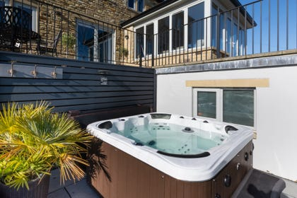 Cottages with hot tubs | Yorkshire Holiday Cottages