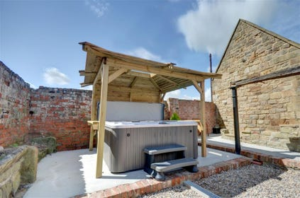 cottages with hot tubs yorkshire holiday cottages rh yorkshireholidaycottages co uk